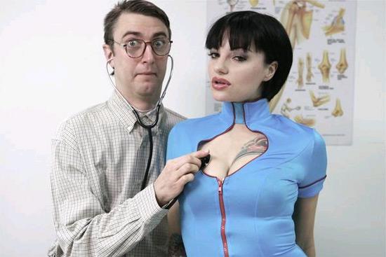 PG Porn : Du porno sans sexe ?
