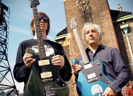 Les guitaristes de Sonic Youth signent leurs propres Jazzmaster !